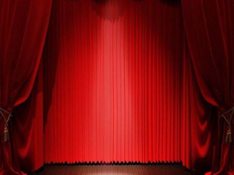 Kinh nghiệm chọn mẫu rèm vải trang trí hội trường đẹp cho hội nghị